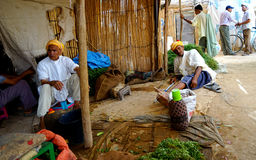 2 старика в souk города Rissani в MoroccT стоковые изображения