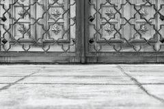 Старинные ворота и решетка monochrome цвета Стоковая Фотография RF
