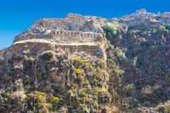 Старинные здания Ollantaytambo на саммите горы стоковая фотография
