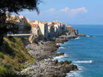 Старинные здания в Cefalu - Италии, Сицилии Стоковые Изображения RF