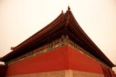Стародедовская китайская крыша зодчества Стоковые Изображения RF