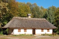 стародедовская сторновка крыши хаты стоковые изображения rf