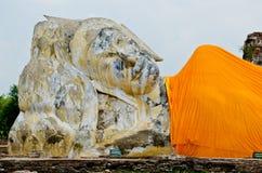 Стародедовский возлежа Будда Стоковые Изображения