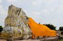Стародедовский возлежа Будда Стоковые Фото