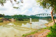 Стародедовский мост над рекой Стоковое Изображение RF