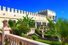 стародедовский фронт замока ваяет лестницы Стоковые Изображения
