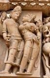 Стародедовский Bas-relief в Khajuraho, Индия Стоковое фото RF