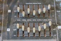 Старое аудио оборудования кнопок Стоковые Изображения RF
