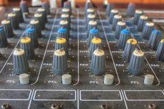 Старое аудио оборудования кнопок Стоковые Фото