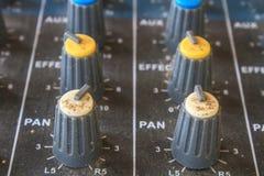 Старое аудио оборудования кнопок Стоковые Фотографии RF