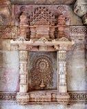 Старое богато украшенное Stepwell Adalaj Wav стоковые фотографии rf