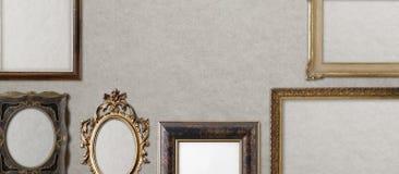 Старое винтажное золотое собрание рамок стоковое фото rf