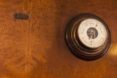 Старое винтажное baromether Стоковые Изображения RF