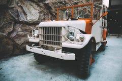 Старое военное транспортное средство в ретро или винтажном взгляде Стоковые Фото