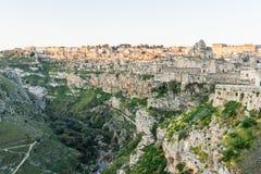 Старое город-привидение di Matera Matera Sassi отражает к re Стоковые Изображения