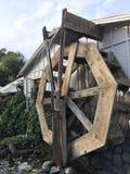 Старое деревянное колесо воды Стоковое Изображение RF