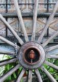 Старое деревянное колесо телеги Стоковое Изображение RF