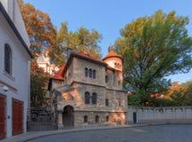 Старое еврейское кладбище в Прага стоковая фотография