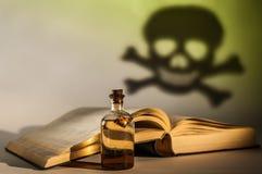 Старое лекарство в бутылке Стоковые Изображения