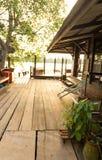 Старое деревянное патио дома в тайском стиле Стоковые Изображения RF