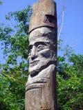 Старое деревянное резное изображение стоящий человек 2 Стоковые Изображения