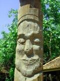 Старое деревянное резное изображение стоящий человек 5 Стоковые Изображения RF