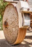 Старое западное колесо фуры стоковая фотография rf