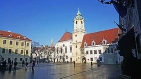 Старое здание музея города Братиславы с башней стоковое фото rf