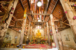 Старое золотое Buddhas стоковые фото