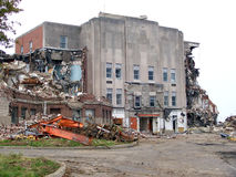 Старое здание ожидает быть сокрушенным стоковая фотография rf