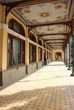 Старое историческое барочное получившееся отказ здание - казино Baile Herculane стоковые фото