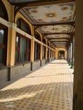 Старое историческое барочное получившееся отказ здание - казино Baile Herculane стоковые изображения rf