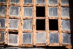 Старое и разрушенное старое окно Стоковые Изображения RF