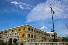 Старое классическое здание Европейск-стиля Стоковое фото RF