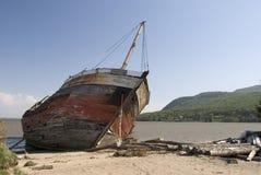 Старое кораблекрушение пирата на пляже Стоковое Изображение RF