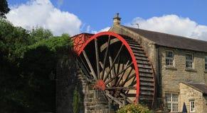 Старое колесо воды около моста северного Йоркшира Pately Стоковое Изображение RF