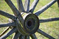Старое колесо тележки Стоковое фото RF