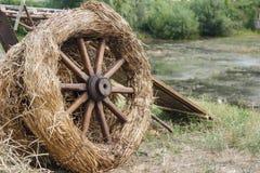 Старое колесо тележки Стоковые Фото