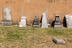 Старое кладбище итальянок в Buje, Хорватии стоковая фотография rf