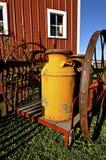 Старое молоко может сын тележка колеса Стоковое Фото