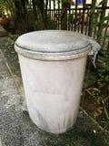 Старое мусорное ведро Стоковое Фото