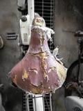 Старое несенное и поврежденное место велосипеда, красивая иллюстрация и предпосылка года сбора винограда Стоковая Фотография RF