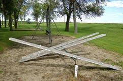 Старое оборудование спортивной площадки в парке Стоковое Фото