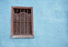 Старое окно на стене стоковые фотографии rf