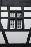 Старое окно средневекового дома (Швейцария) Стоковое Изображение