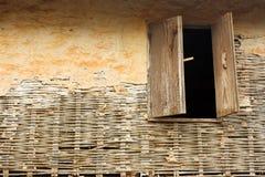 старое окно стены Стоковое Изображение