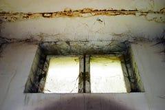 старое окно стоковые фотографии rf