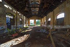 Старое, покинутое здание обслуживания поезда Стоковая Фотография RF