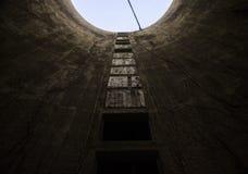 Старое, покинутое силосохранилище фермы Стоковая Фотография RF