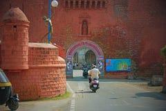 Старое португальское ворот в Гуджарате стоковая фотография rf